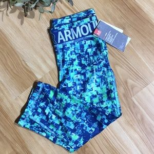 NWT Girl's Under Armour Cropped Workout Pants